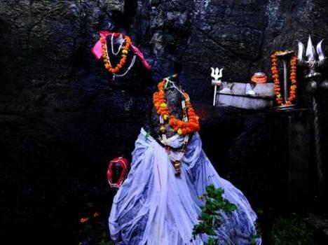 Shivkhori temple (  शिवखोरी मंदिर जम्मु कश्मीर)