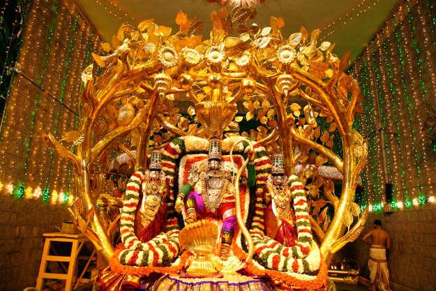 Tirupati temple ,andhra predesh (तिरुपति ,बालाजी मन्दिर आन्ध्र प्रदेश )