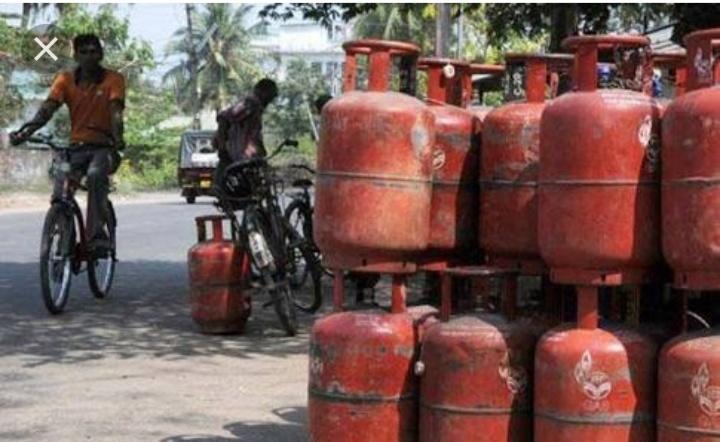 8.3 करोड़ परिवार को 3 महीने तक फ्री मिलेगा गैस सिलेंडर, जानिए क्या है कंडीशन