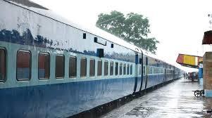 IRCTC Train Booking : 1 जून से चलने वाली 200 ट्रेनों में टिकटों की बुकिंग आज से शुरू, सभी यात्रियों की होगी स्क्रीनिंग